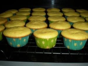 Lemon Creme Cupcakes